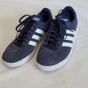 Adidas size 7 suede Ortholite Float shoes